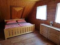 Čtyřlůžkový pokoj - chata k pronájmu Dolní Bušínov