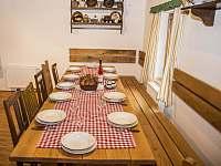 jídelní stůl - Vojtíškov