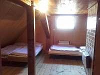 pokoj v podkroví 1.patro - Vápenná