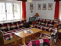 obytná kuchyň slouží jako společ. místnost+ 3 místa ke spaní