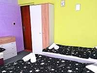 1. ložnice se 4 lůžky - pronájem apartmánu Bohdíkov