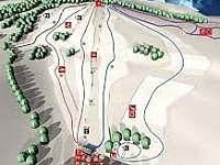 Sjezdovky Annaberg v Andělské Hoře, je na ně vidět i od domu
