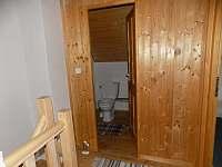 horní wc - chata ubytování Branná