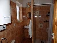 spodní koupelna - chata k pronájmu Branná