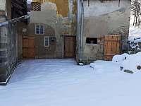 V zimě - chalupa k pronajmutí Skorošice
