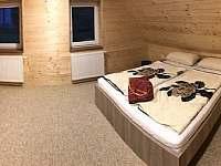 Velká chalupa - ložnice 3 osoby - k pronájmu Horní Lipová