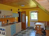 Kuchyňský a jídelní kout - chata ubytování Ludvíkov