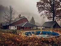 Chaloupka na podzim - Stará Voda