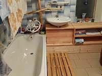 koupelna - chalupa k pronajmutí Karlovice - Zadní Ves