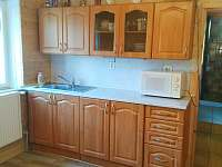kuchyň - pronájem chalupy Karlovice - Zadní Ves