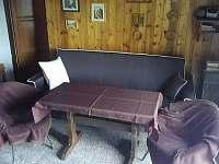 obytná místnost s rozkládacím gaučem