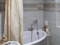 Apartmán č. 1 - koupelna (vana) - Jeseník