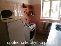 Společná kuchyňka v patře - pronájem zámečku Malá Morávka