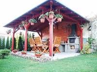 venkovní posezení v pergole