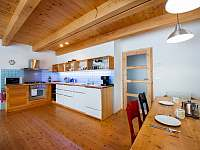 Ap. HOME - kuchyňská linka a jídelní stůl - chata k pronájmu Červená Voda - Šanov