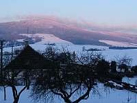 Výhled na Suchý vrch z apartmánu SUNSET - chata k pronájmu Červená Voda - Šanov