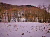 antukové hřiště pod sněhem