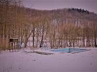 bazény a průlezky