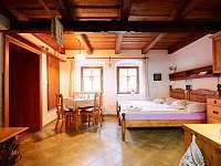 Levandulové apartmá - obytná světnice (jako u babičky)