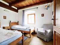 Pomněnkové apartmá - ložnice - chalupa k pronájmu Malá Morava - Vlaské