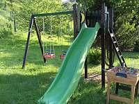 Dětské hřiště - chalupa k pronájmu Králíky