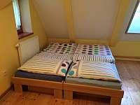 pokoj podkroví 2