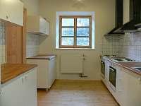 kuchyně - chata k pronájmu Branná