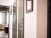 chodba v přízemí - chalupa ubytování Starý Maletín
