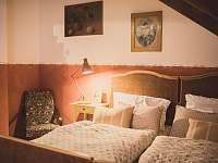 ložnice v patře - chalupa k pronájmu Starý Maletín