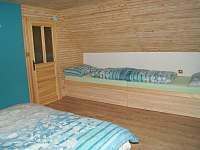 Modrá ložnice - samostatná lůžka - chata k pronajmutí Horní Orlice