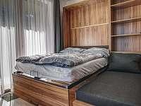 výklopná postel - apartmán k pronájmu Filipovice
