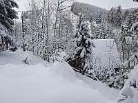 Pohled z okna na Ski areál Ostružná -