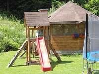Hřiště pro děti - pronájem chalupy Štědrákova Lhota