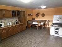 kuchyň - chalupa k pronajmutí Rejvíz