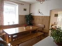 společná kuchyně - vila k pronajmutí Černá voda