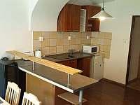 Kuchyně spodního apartmánu - Holčovice - Spálené