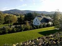 Černá Perla - terasovitá zahrada rozkládající se skoro na 1 hektaru půdy - pronájem rekreačního domu