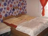 třilůžkový pokoj