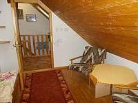 manželský pokoj, podesta, schody