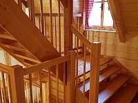 schody v patře - Vernířovice