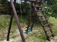 Houpačka pro děti - pronájem chalupy Stříbrnice