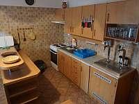 Kuchyně - chalupa k pronajmutí Stříbrnice