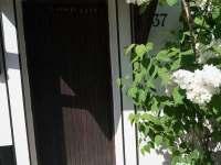 Vchodové dveře - chalupa ubytování Stříbrnice