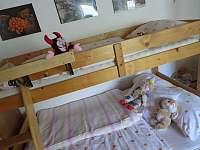 patrová postel pro 3 - chalupa k pronájmu Bohdíkov