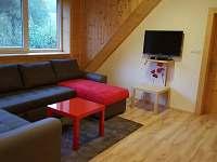 Společenská místnost v patře - pronájem chalupy Lipová lázně