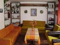 obývací pokoj - chata k pronajmutí Branná