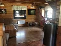 Obývací pokoj - pronájem chalupy Vernířovice