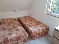 ložnice 3 lůžka - chata k pronájmu Vlčice