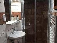 Koupelna po celkové rekonstrukci - chata k pronajmutí Karlovice - Zadní Ves