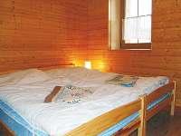 Dvoulůžkový pokoj v přízemí - pronájem chaty Bělá pod Pradědem